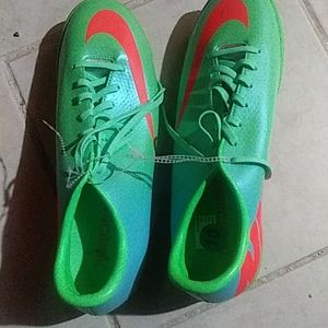 Mens soccer cleats sz 10